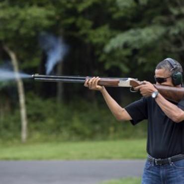 Obama Shoots Skeet at Camp David